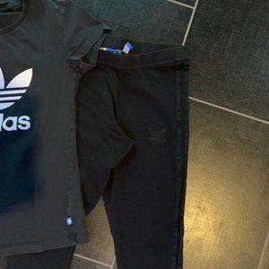 adidas Tops - adidas Originals Bundle - Leggings & T-Shirt